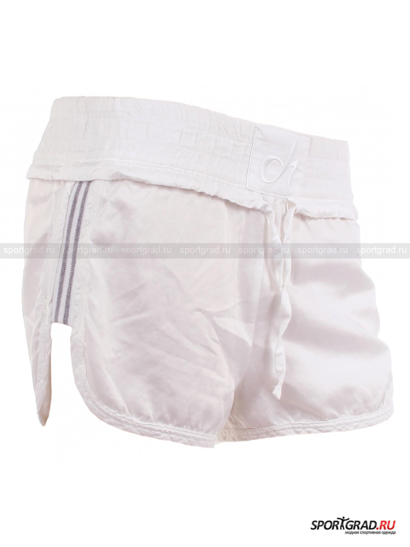 Шорты женские летние DehaШорты, Велосипедки<br>Прелестные женские шорты Deha с полосатыми трикотажными вставками по бокам и плавными подрезами максимально открывают бедро, делая акцент на красоте ног. Плоская резинка широкого пояса, дополненного по низу объемной кулиской, гарантирует надежную фиксацию изделия на бедрах и некоторый утягивающий эффект.<br><br>  Длина по боковому шву c учетом пояса ок. 17, 5 см, ширина по бедрам 46 см (размер XS).<br><br>Пол: Женский<br>Возраст: Взрослый<br>Тип: Шорты, Велосипедки<br>Рекомендации по уходу: Изделию показана стирка при температуре 30°, глажка при температуре, не превышающей 110°, и химчистка. Запрещены отбеливание и сушка в стиральной машине или электросушилке для белья.<br>Состав: Основное изделие: 55% хлопок, 45% купро. Вставки: 97% хлопок, 3% полиэстер.
