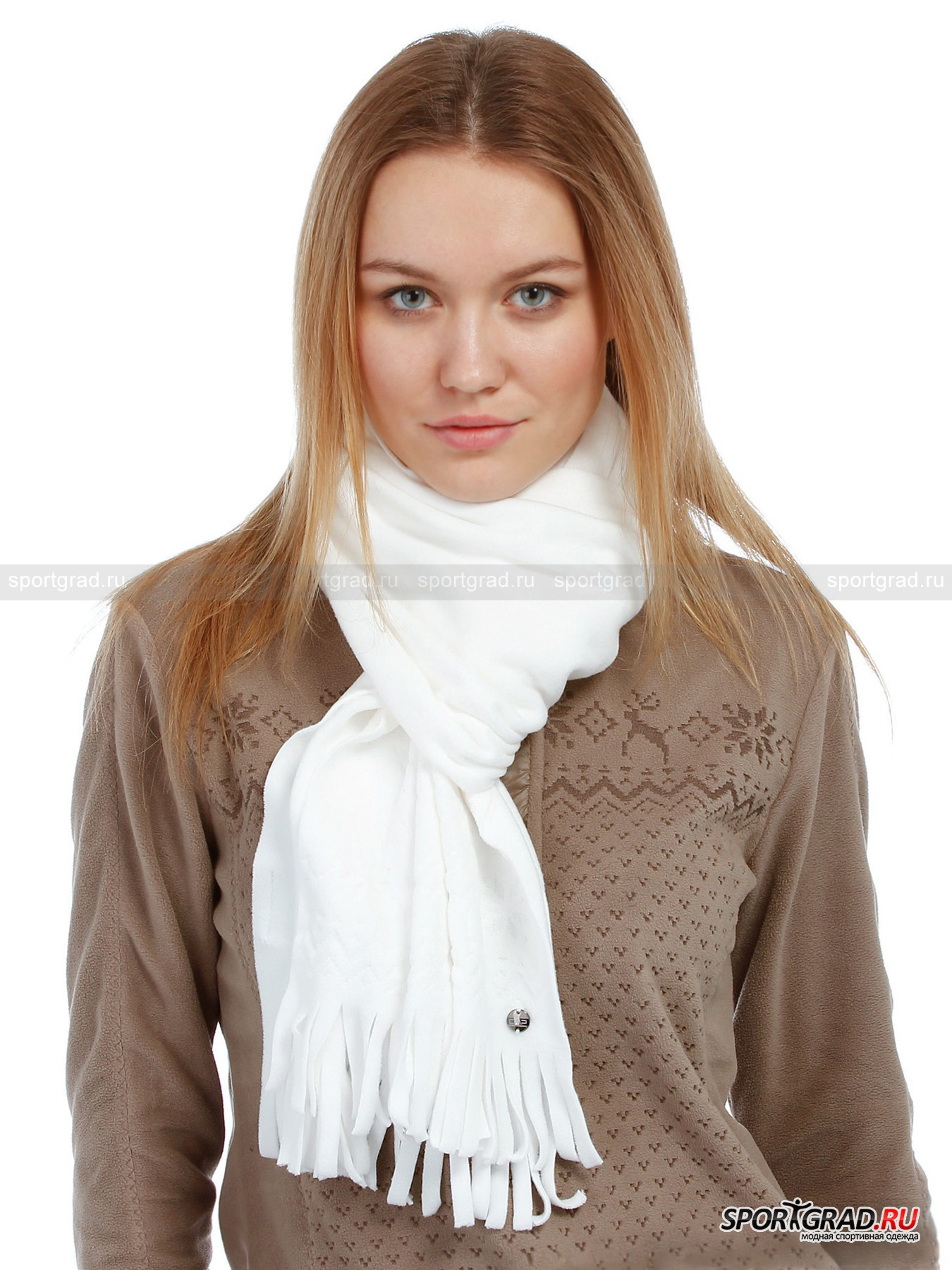Шарф женский флис LADY FLEECE SCARF CAMPAGNOLOШарфы, Кашне<br>Сказочный женский шарф LADY FLEECE SCARF CAMPAGNOLO из нежнейшего флиса, способного согреть в самую ненастную погоду и украсить повседневную верхнюю одежду: ровная прямоугольная нарезка-бахрома, поблескивающий металлом фирменный логотип – пуговичка и стильный орнамент в виде скачущих оленей, ромбов и зигзагов – отличное дополнение к вашему зимнему имиджу!<br><br>Пол: Женский<br>Возраст: Взрослый<br>Тип: Шарфы, Кашне<br>Состав: 100% Пэ