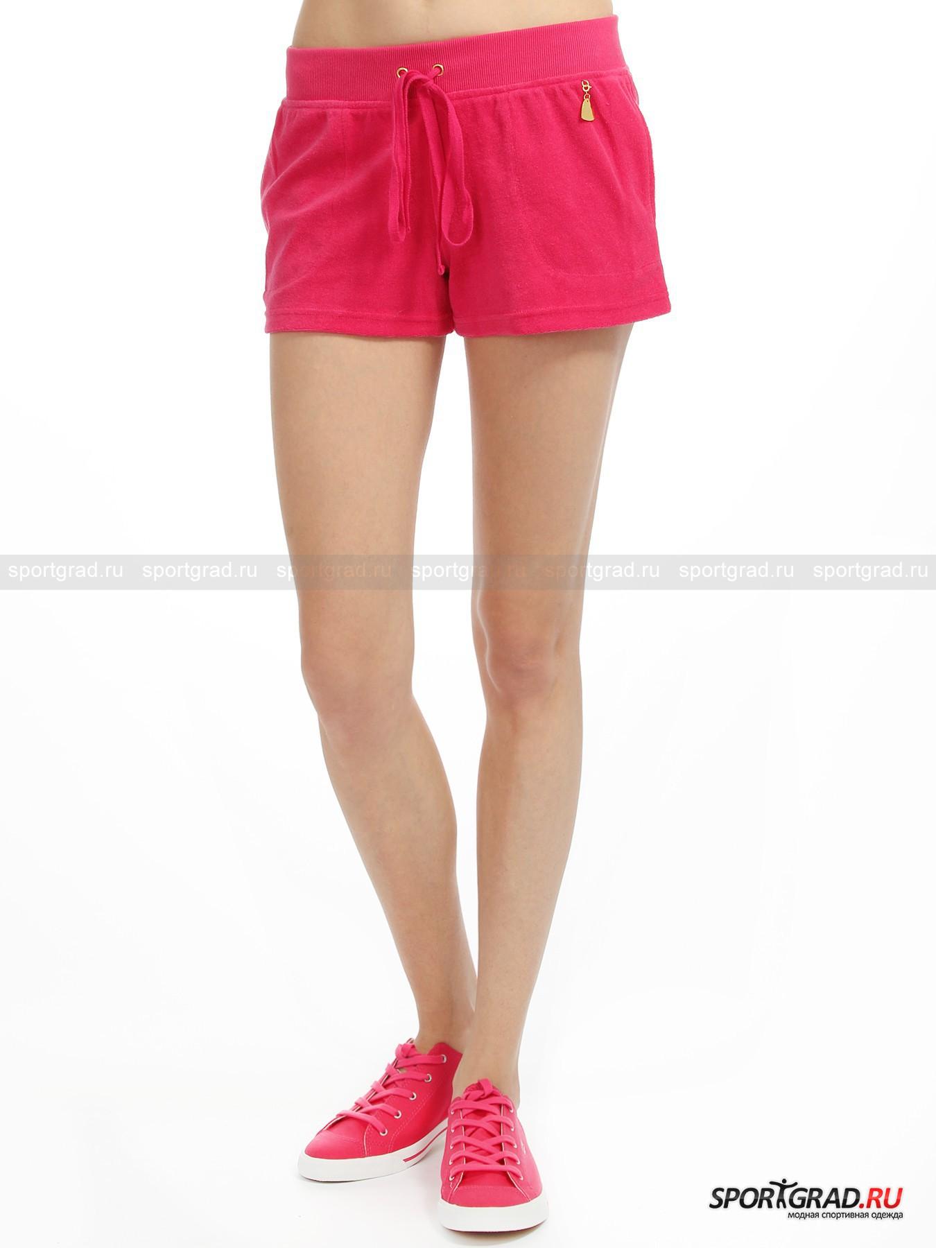 Шорты женские Short pants BEAШорты, Велосипедки<br>Женские шорты Short Pant BEA – ультракороткая модель красивого ягодного цвета, которая будет очень кстати в отпуске, при поездке загород или в качестве домашней одежды. Шорты сшиты из хлопкового материала с петельчатой лицевой поверхностью, и имеют притачной пояс с кулиской, боковые карманы, съемный металлический кулон в форме сердца с надписью BEA, а также отделку в виде сердечка, выложенного сверкающими стразами.  <br><br>Ширина изделия по талии 34 см, длина по боковому шву 26 см (размер 40).<br><br>Пол: Женский<br>Возраст: Взрослый<br>Тип: Шорты, Велосипедки<br>Рекомендации по уходу: Рекомендуется химчистка. Гладить при низкой температуре. Не подвергать изделие  стирке, отбеливанию и отжиму в центрифуге.<br>Состав: 80% хлопок, 20% полиэстер