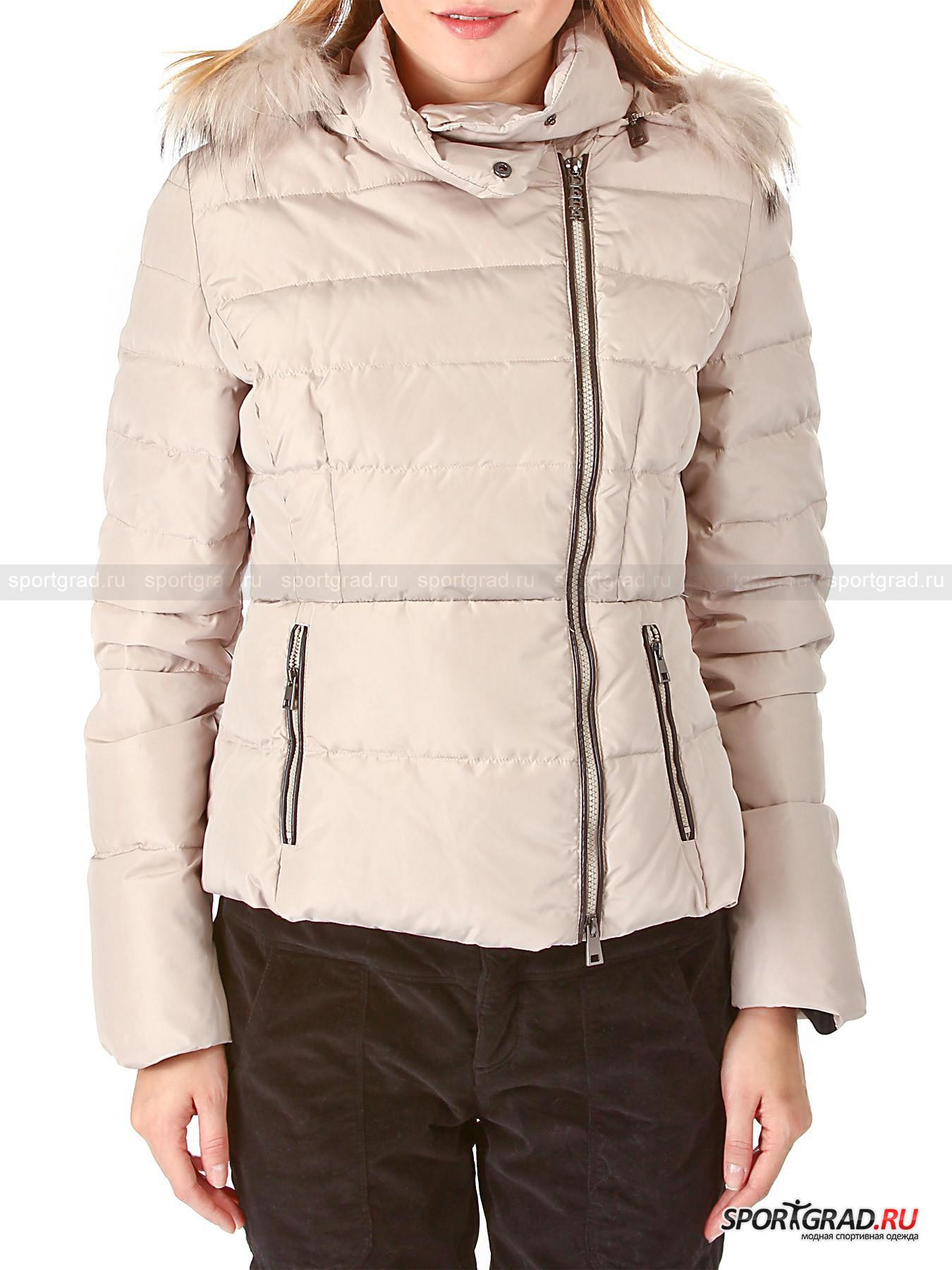 Куртка женская  Hooded Down Jacket DEHAПуховики<br>Куртка женская  Hooded Down Jacket DEHA – отличный выбор для городской зимы. Если Вы ведете активный образ жизни и много двигаетесь, то укороченный стеганый пуховик – Ваш вариант, так как он мало весит, не сковывает движений  и гарантирует комфорт.  Утеплитель из натурального пуха и пера – прекрасный теплоизолятор, который, помимо поддержания оптимальной температуры, пропускает воздух и позволяет коже «дышать». <br><br>Куртка полуприлегающего покроя имеет:<br>- отстегивающийся капюшон со съемной меховой опушкой,<br>- воротник-стойку,<br>- застежку-молнию с двумя бегунками, смещенную влево,<br>- прорезные боковые карманы на молниях.<br>?<br>Длина изделия сзади по центру от горловины до низа 57 см, ширина в груди 46 см, длина рукава по нижнему шву 49 см (размер S).<br><br>Пол: Женский<br>Возраст: Взрослый<br>Тип: Пуховики<br>Рекомендации по уходу: Рекомендуется стирка в теплой воде при низкой температуре. Не подвергать изделие  отбеливанию, глажке  и отжиму в центрифуге.<br>Состав: 100% полиэстер Наполнитель 80% пух, 20% перо. Мех енота.