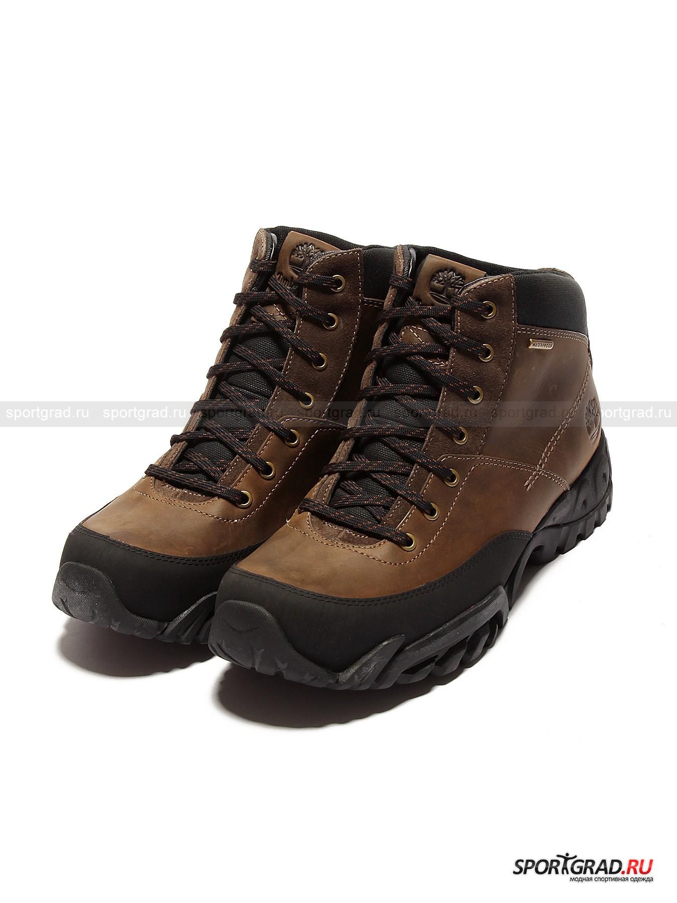 Ботинки мужские демисезонные TIMBERLAND из нубукаБотинки<br>Максимально практичные мужские ботинки Timberland с износостойкой экологичной подошвой и укрепленным мыском – для тех, кто хочет выходить на улицу исключительно в стильной брендовой обуви, но при этом не желает замочить по осени ног. Специальная водоотталкивающая пропитка нубука вкупе с отсутствием швов в месте соединения подошвы и верха изделия (применена технология опрессовки кожи под давлением) сделали модель неуязвимой для осадков и проникновения влаги внутрь. Сформировавшие «ребро жесткости» включения со стороны подметки наделили ботинки особой прочностью, которая пригодится, если, к примеру, Вы решите обуть ботинки за город.<br> <br>Модель имеет:<br>- служащий лучшему прилеганию язычок на мягкой «подушечке», дополненный петлей, сквозь которую также можно пропустить концы шнура;<br>- фигурный срез голенища, для большего комфорта посадки подбитого хорошо удерживающим тепло упругим материалом;<br>- нержавеющую металлическую фурнитуру; <br>- съемную антистрессовую стельку, разгружающую ногу при ходьбе; <br>- подошву Anti-Fatigue, воздушные карманы которой помогают правильно распределить давление и помочь стопе дольше не уставать;<br>-  рельефную подметку с протектором Gripstick, гарантирующим устойчивость на влажном асфальте;<br>- гарнирование в виде декоративной прострочки и фирменной эмблемы сбоку на пятке + язычке.<br><br>Пол: Мужской<br>Возраст: Взрослый<br>Тип: Ботинки<br>Состав: Верх: нубук + текстиль. Подкладка и стелька: текстиль. Подошва: искусственные материалы.