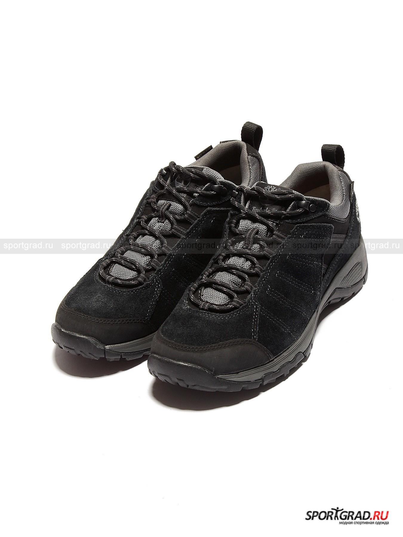 Кроссовки мужские непромокаемые TIMBERLANDКроссовки<br>Мужские городские кроссовки Timberland  из замши с набивками из прочного износоустойчивого материала сзади и на носке – модная защита от осенней слякоти и дождей, которая благодаря водонепроницаемой дышащей мембране Gore-Tex® и технологии бесшовного соединения подошвы с верхом обуви сохранит Ваши ноги в сухости и тепле. Плотный обхват щиколотки, возможный благодаря мягкому упругому «воротнику» также не позволит влаге или холоду проникнуть внутрь. Помимо этого, создатели модели позаботились о том, чтобы Вам было легко передвигаться: разработчики сумели достичь идеальный баланс между амортизацией, поддержкой и внутренним климат-контролем кроссовок.<br><br>Изделие имеет:<br>- язычок-«подушечку», способствующий лучшему прилеганию к стопе и фиксации изделия на ноге;<br>- шнуровку из сверхпрочного таслан-волокна, пропущенную через множество текстильных петель и одну пару нержавеющих металлических;<br>- подкладку, способную удерживать комфортную температуру, близкую к температуре человеческого тела;<br>- устойчивую подметку с протектором Gripstick, гарантирующую превосходное сцепление с любой (даже мокрой) поверхностью, которую Вы выбрали для своего маршрута;<br>- съемную стельку-антистресс;<br>- гарнирование в виде декоративной прострочки и эмблемы на язычке плюс сбоку на пятке;<br>- надежно пришитую петлю сзади.<br><br>Пол: Мужской<br>Возраст: Взрослый<br>Тип: Кроссовки<br>Состав: Верх: замша + текстиль. Подкладка и стелька: текстиль. Подошва: искусственные материалы.