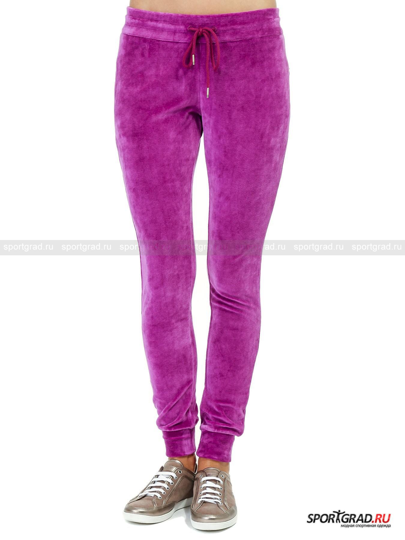 Брюки велюровые женские BIKKEMBERGSБрюки<br>Эти мягкие велюровые брюки от модного итальянского бренда DIRK BIKKEMBERGS создана, чтобы дарить Вам комфорт. Они гармонично сочетают в себе стильный внешний вид, продуманный дизайн и элементы роскоши. Пояс сзади украшен выложенным из страз именем бренда, также в данной модели предусмотрено 2 прорезных кармана на молнии и удобный притачной пояс на  шнурке. Выразительный итальянский стиль и непревзойдённый комфорт в оригинальном исполнении DIRK BIKKEMBERGS.<br><br>Пол: Женский<br>Возраст: Взрослый<br>Тип: Брюки<br>Рекомендации по уходу: Ручная стирка при 30 градусах, щадящий ручной отжим, гладить при температуре до 120 градусов.<br>Состав: 80% модал, 20% эластан
