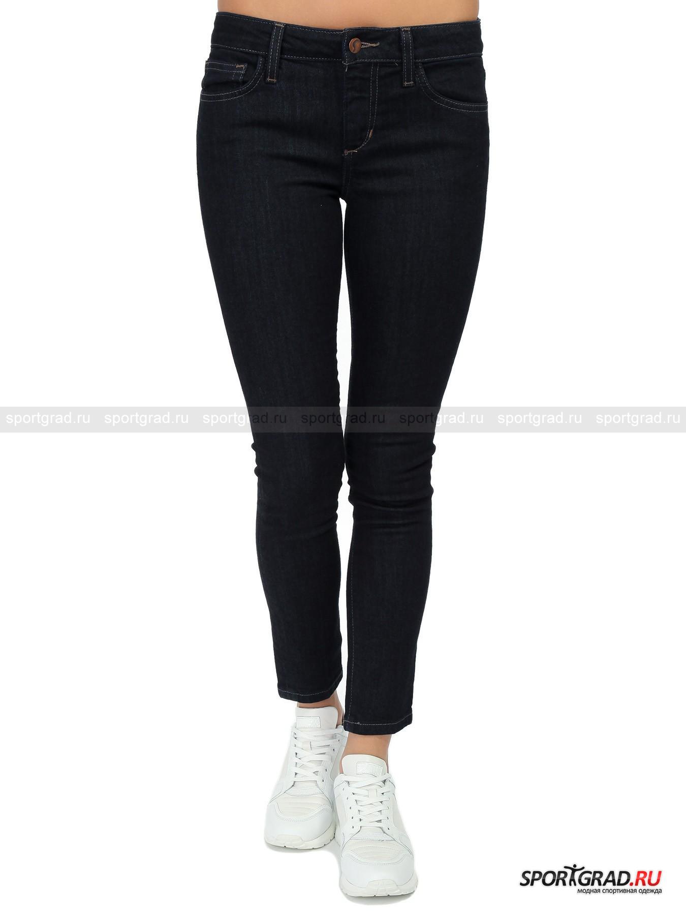 Джинсы женские JOESБрюки<br>Зауженные по всей длине джинсы Alice из новой коллекции ультрамодной американской марки JOES смотрятся безупречно на стройных женских ногах. Их цель сделать Вашу фигуру объектом восхищения, и поверьте, с этой задачей они справятся играючи. Эластичный denim марки Premium, усиленная прострочка швов и изысканный внешний вид – у этой модели есть всё, чтобы Вы выглядели неотразимо и наслаждались высоким уровнем комфорта. Made in Mexico.<br><br>Пол: Женский<br>Возраст: Взрослый<br>Тип: Брюки<br>Рекомендации по уходу: Деликатная ручная стирка при температуре 30 градусов, щадящий ручной отжим, гладить при температуре до 120 градусов.<br>Состав: 98% хлопок, 2% эластан