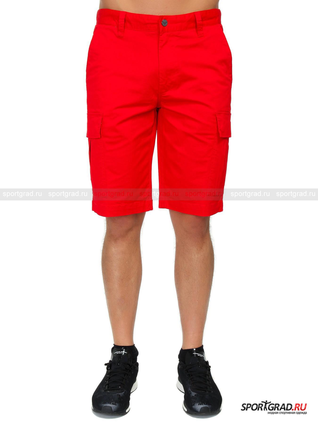 Шорты мужские EMPORIO ARMANIШорты, Велосипедки<br>Выполненные в стиле милитари хлопковые шорты карго EA7 Emporio Armani. Они имеют достаточно свободный крой, и вмест с ними хорошо будут сочетаться как рубашка или поло, так и футболку или толстовку. В качестве обуви идеально подойдут кроссовки или топсайдеры, но, разумеется, выбор остаётся за Вами. Натуральная хлопковая ткань стретч имеет приятную телу структуру, тянется, отлично вентилируется и быстро сохнет, что особенно важно в тёплое время года. Шорты снабжены двумя прорезными фронтальными карманами, 2 прорезными с клапанами сзади и 2 боковыми объёмными с клапанами на кнопках. Также эта стильная модель снабжена удобными шлёвками для ремня и стильными фурнитурой с логотипами EA7 EMPORIO ARMANI.<br><br>Пол: Мужской<br>Возраст: Взрослый<br>Тип: Шорты, Велосипедки<br>Рекомендации по уходу: Деликатная ручная стирка при температуре 30 градусов, щадящий ручной отжим, гладить при температуре до 120 градусов.<br>Состав: 97% хлопок, 3% эластан