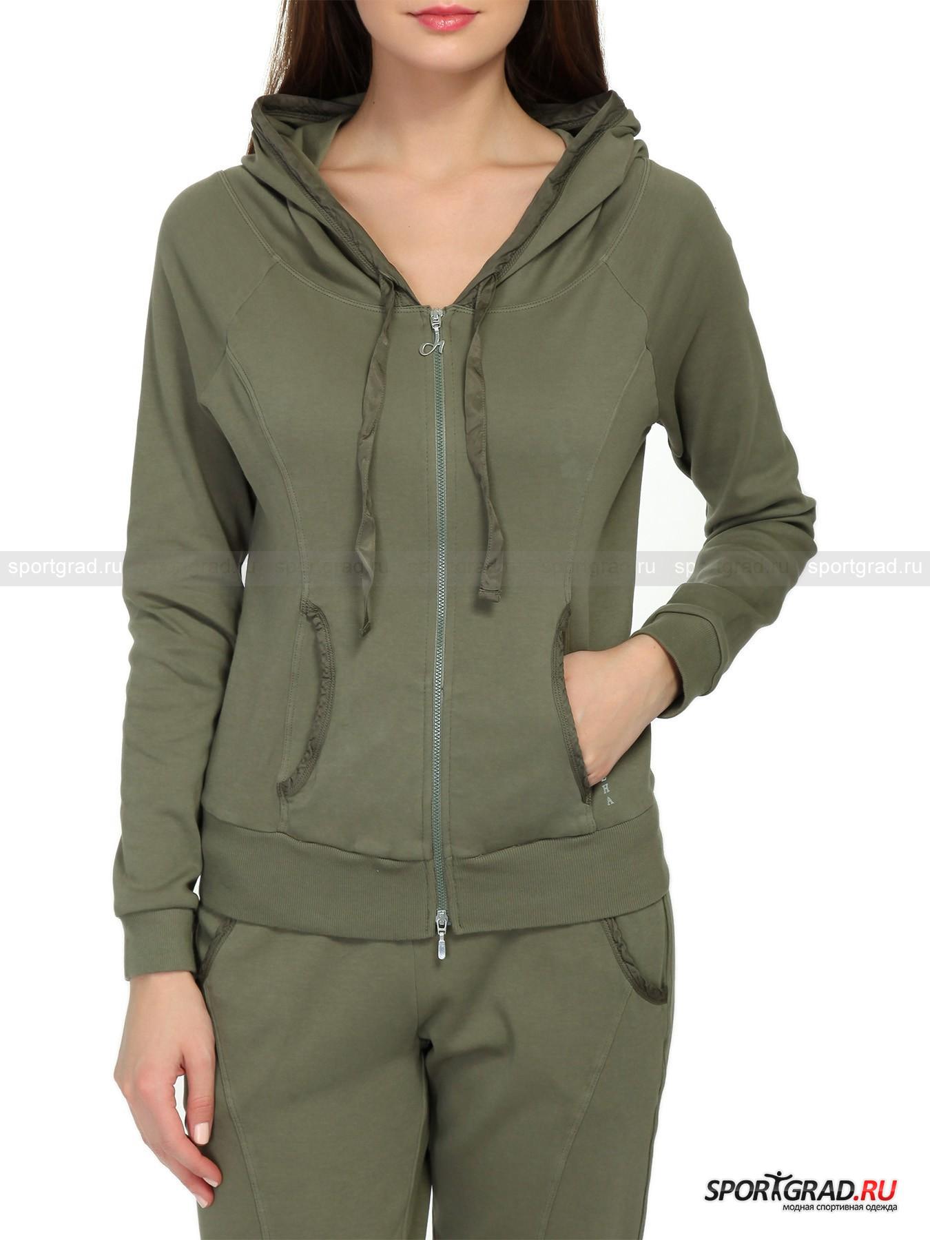 Толстовка женская на молнии Hooded full Swetshirt DEHAТолстовки<br>Толстовка в спортивном стиле с капюшоном и молнией по всей длине – в принципе не самый изящный предмет гардероба, предназначенный скорее для удобства и тепла, нежели для красоты. Но дизайнеры итальянского бренда Deha прекрасно умеют создавать из базовых вещей подлинные шедевры, подчеркивающие женственность своих владелиц. Так и эта толстовка Hooded full Swetshirt DEHA смотрится просто потрясающе благодаря особому крою, позволяющему модели садиться точно по фигуре, подчеркивая аппетитные изгибы тела. Еще одна интересная деталь -  отделка капюшона и вертикальных карманов и регулирующие ленточки из ткани с большим процентом содержания материала купро, что придает ей гладкую глянцевую фактуру.<br><br>Особенности модели:<br>- большой капюшон с регулирующими лентами;<br>- эластичный притачной пояс и манжеты из трикотажа;<br>- два кармана спереди;<br>- молния с двумя бегунками, верхний выполнен в виде логотипа марки;<br>- рукава-реглан;<br>- шлевка с надписью DEHA на спинке изделия и та же надпись около левого кармана<br><br>Пол: Женский<br>Возраст: Взрослый<br>Тип: Толстовки<br>Рекомендации по уходу: стирка в теплой воде до 30 С; не отбеливать; гладить слегка нагретым утюгом (температура до 120 C); только сухая чистка; нельзя выжимать и сушить в стиральной машине<br>Состав: основное изделие 100% хлопок