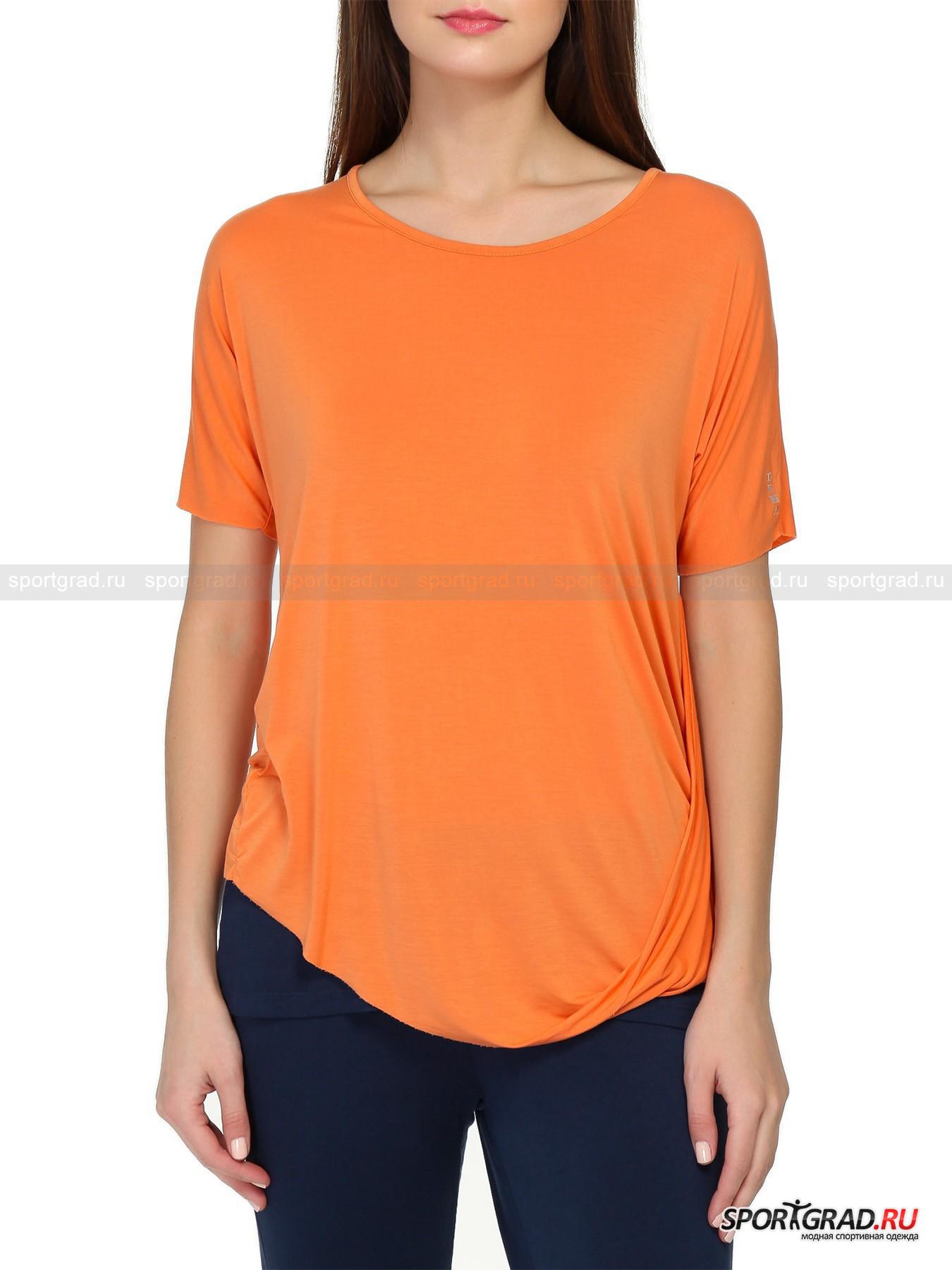 Футболка женская T-shirt DEHAФутболки<br>Футуристичная футболка с коротким рукавом T-shirt Deha выглядит очень оригинально, несмотря на однотонную расцветку и довольно простой состав ткани. Все дело в сложном нестандартном крое модели: изделие сшито всего из трех кусков материи. Две части пошли на изготовление спинки футболки и соединяются швом посередине. Передняя же половина футболки представляет собой один отрез ткани, выкроенный вместе с рукавами. Косой нижний край загнут и пришит к боковому шву, образуя красивую драпировку. Рукава и нижняя часть материала просто отрезаны и не обработаны, что тоже весьма необычно. Эта модель идеально подойдет творческим натурам, любящим одеваться по-особенному  и отличаться от окружающих.<br><br>Пол: Женский<br>Возраст: Взрослый<br>Тип: Футболки<br>Рекомендации по уходу: стирка в теплой воде до 30 С; не отбеливать; гладить при низкой температуре (до 120 C); только сухая чистка; нельзя выжимать и сушить в стиральной машине<br>Состав: 88% вискоза, 12% эластан