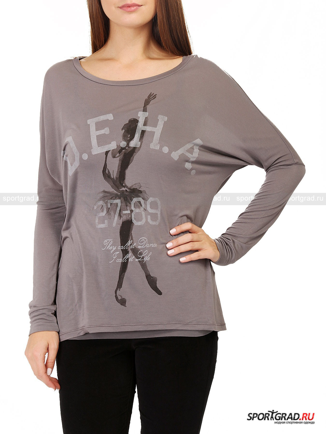 Футболка женская двухслойная Double T-shirt DEHAФутболки<br>Многослойность – отличительная черта многих моделей в коллекциях итальянcкого бренда Deha, что неудивительно, ведь создатели марки вдохновляются танцами, в том числе и современным течением street dance. В результате получаются многофункциональные вещи, которые сочетаются разными способами. <br><br>Так и эта футболка Double T-shirt Deha состоит из двух слоев, каждый из которых можно носить отдельно. Нижний слой – это простая однотонная хлопковая майка с тонким бретелями и прямым вырезом спереди и сзади. Верхний слой – полупрозрачный лонгслив свободного фасона с рукавами типа «летучая мышь», сшитый  из очень мягкого, неприхотливого в уходе и прекрасно «дышащего» материала модал. Сзади футболка длиннее, чем спереди, она полностью закрывает ягодицы  и составит идеальную компанию леггинсам или обтягивающим брюкам. Принт, изображающий балерину, напоминает о танцевальной направленности Deha.<br><br>Пол: Женский<br>Возраст: Взрослый<br>Тип: Футболки<br>Рекомендации по уходу: стирка в теплой воде до 30 С; не отбеливать; гладить слегка нагретым утюгом (температура до 110 C); только сухая чистка; нельзя выжимать и сушить в стиральной машине<br>Состав: Нижний слой: 93% хлопок, 7% эластан; верхний слой 100% модал