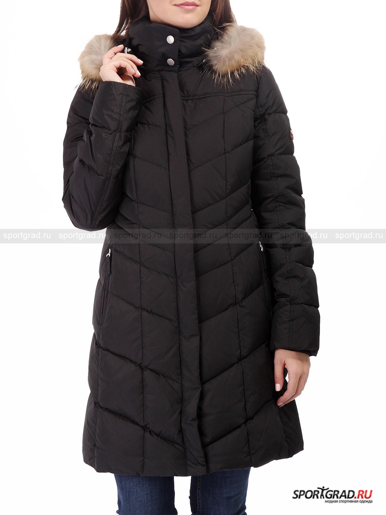 Пальто женское Dalia-D FIRE&amp;ICEПуховики<br>Черное стеганое пальто Dalia-D Fire+Ice  – классика зимнего стиля, которая никогда не потеряет актуальности. Такая модель прекрасно сочетается практически с любой одеждой и обувью и станет незаменимым помощником в те дни, когда нет возможности тратить время на тщательный подбор комплектов. <br><br>Пальто легкое и очень теплое, так как наполнено пухом с примесью пера. Отстегивающийся капюшон дополнен съемной опушкой из натурального меха енота. Высокое качество – визитная карточка Bogner, и такое пальто прослужит вам очень долго, неизменно радуя своим стильным внешним видом.<br><br>Особенности модели:<br>- фронтальная молния с двумя бегунками;<br>- планка на кнопках поверх молнии;<br>- высокий воротник;<br>- отстегивающийся капюшон со съемным мехом;<br>- два кармана на молнии снаружи и один внутри;<br>- внутренние трикотажные манжеты;<br>- фирменная нашивка на плече.<br><br>Пол: Женский<br>Возраст: Взрослый<br>Тип: Пуховики<br>Рекомендации по уходу: деликатная стирка до 30 С; не отбеливать; гладить при температуре до 110 С; щадящая химическая чистка; можно сушить в стиральной машине при низкой температуре<br>Состав: материал верха 100% полиамид; подкладка 100% полиэстер; внутри 80% пух, 20% прео