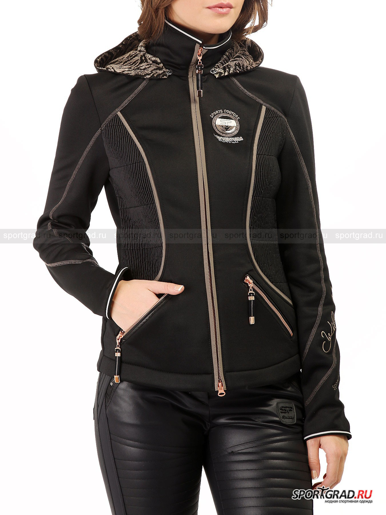 Женская куртка SPORTALM AbionaКуртки<br>Австрийский бренд люксовой спортивной одежды выделяется привлекательным и стильным дизайном своей продукции, которая сочетается с гламурным оформлением и деталями.<br><br>Приталенная модель женской куртки  Abiona – классический пример горнолыжной верхней одежды. Оптимальный вариант носки – неморозная зимняя погода. Ключевым элементом куртки стоит считать, безусловно, капюшон, отделанный изнутри натуральной шерстью. Плюшевый эффект добавляет дополнительное ощущение уюта и комфорта во время носки. Снаружи капюшон отделан искусственной кожей с чешуйчатой структурой. Прочный и износостойкий материал изготовления гарантирует долговечность одежды на несколько сезонов подряд.<br><br>•Удобный отстегивающийся капюшон<br>•Высокий ворот<br>•Фронтальная молния с системой реверса<br>•Усиленные швы<br>•Эластичный материал изготовления<br>•Фирменный логотип компании на груди и на спине<br><br>Пол: Женский<br>Возраст: Взрослый<br>Тип: Куртки<br>Рекомендации по уходу: Деликатная стирка при 30С, не отбеливать, не сушить в барабане стиральной машины, не гладить, химчистка запрещена.<br>Состав: 69% полиэстер/26% натуральная шерсть/5% эластан.