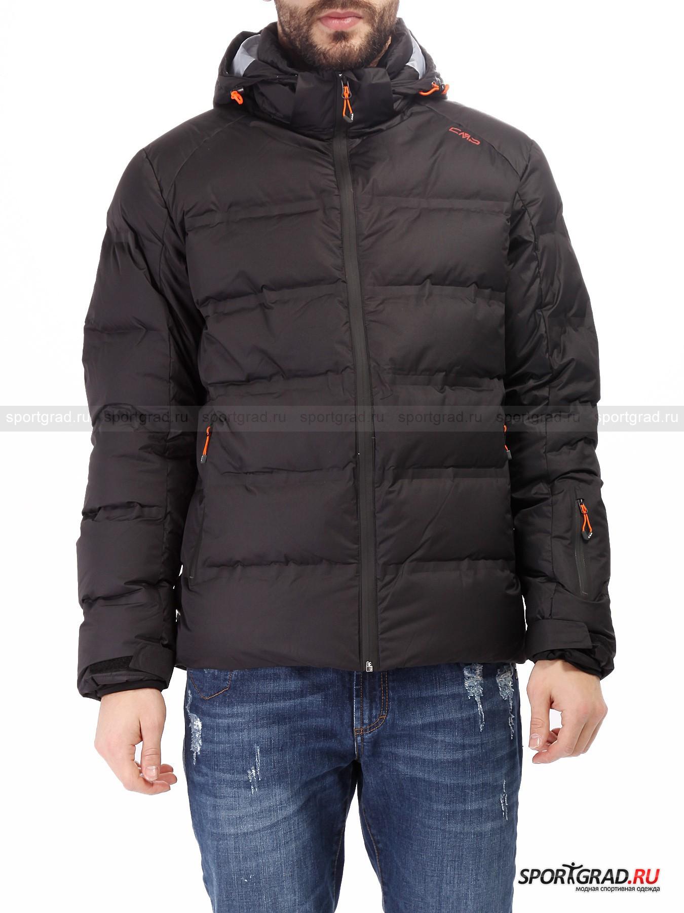 Куртка мужская пуховая Ski Jacket CMPКуртки<br>Мужская куртка Ski Jacket CMP – модель два в одном, сочетающая в себе практичность и технологичность спортивной вещи и классический дизайн, вполне подходящий на каждый день в условиях города. <br><br>Легкая и мягкая куртка наполнена натуральным пухом, который отлично поддерживает постоянную температуру тела благодаря своим изолирующим качествам. Многослойная ткань, изготовленная по уникальной технологии ClimaProtect, гарантирует защиту от неблагоприятных погодных условий, таких как осадки и сильный ветер, при этом сохраняя великолепную воздухопноницаемость. <br><br>Особенности модели:<br>- влагозащита 10000 мм водяного столба;<br>- воздухопроницаемость 5000 г/кв.м/24ч;<br>- большой съемный капюшон с козырьком;<br>- фронтальная молния по всей длине;<br>- два внешних кармана спереди и один на рукаве;<br>- внутри сетчатый накладной карман, еще один на молнии и отверстие для наушников;<br>- «юбка» для защиты от снега;<br>- внутренние эластичные манжеты с отверстиями для больших пальцев;<br>- утяжка по низу куртки;<br>- объем манжет регулируется липучками;<br>- воротник-стойка, изнутри выложенный флисом.<br><br>Пол: Мужской<br>Возраст: Взрослый<br>Тип: Куртки<br>Рекомендации по уходу: деликатная стирка в теплой воде до 30 С; не отбеливать; не гладить; влажная чистка; можно сушить в стиральной машине<br>Состав: материал верха 100% полиэстер; подкладка 100% полиамид; наполнитель 90% пух, 10% перо