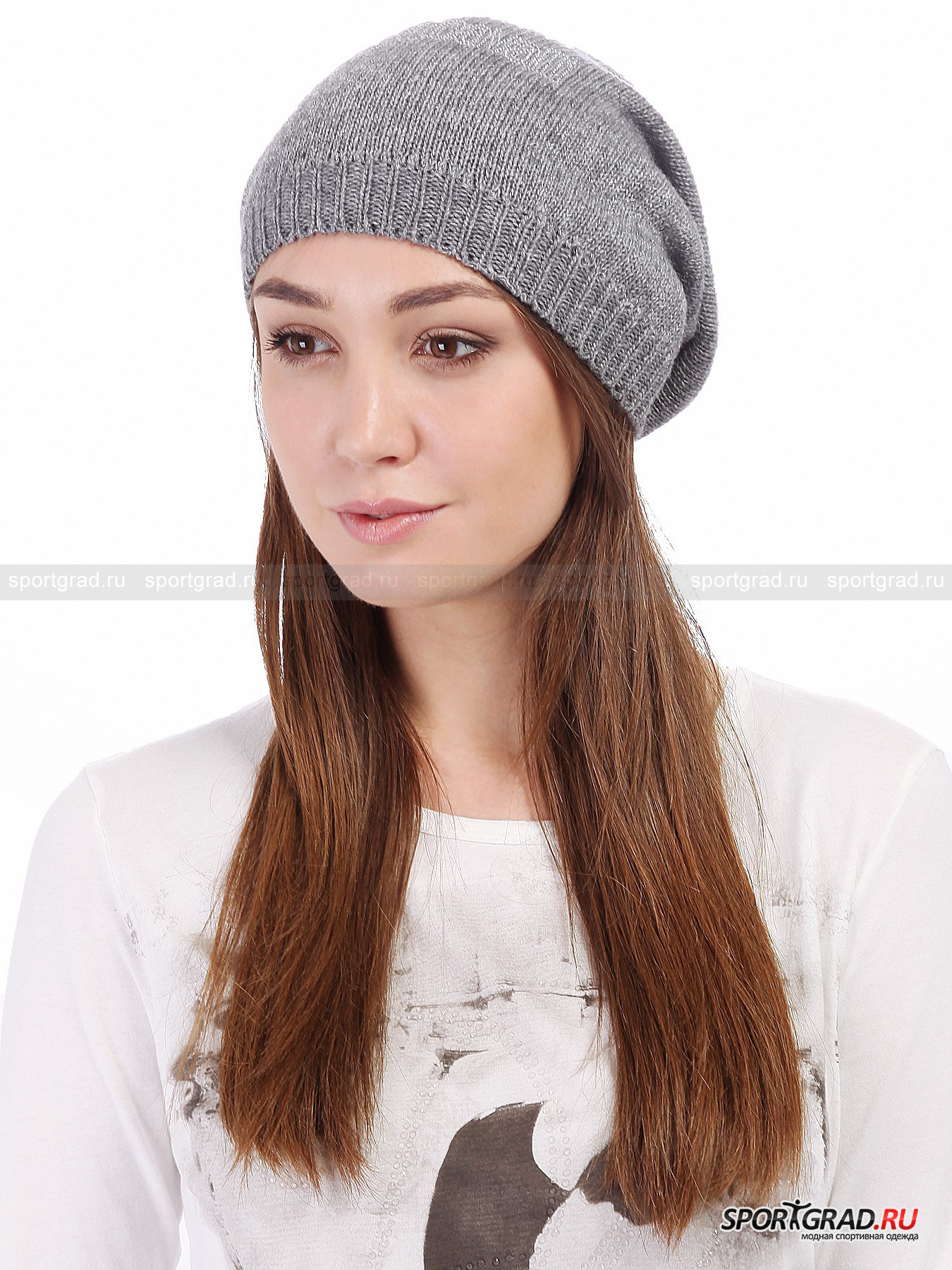 Шапка женская JUST CAVALLIГоловные Уборы<br>Симпатичная объемная шапочка Just Cavalli идеально подойдет девушкам, не любящим плотно облегающие голову аксессуары.  Эта вещь рассчитана скорее на межсезонье или небольшой минус, чем на настоящие морозы – материал довольно тонкий и очень легкий. Шапка отлично сидит и стильно выглядит благодаря неоднородному благородному серому цвету. Нижняя часть модели  декорирована люрексными серебристыми нитями, также спереди расположилась выложенная стразами надпись Just Cavalli.<br><br>Пол: Женский<br>Возраст: Взрослый<br>Тип: Головные Уборы<br>Рекомендации по уходу: ручная стирка; нельзя гладить, отбеливать, сушить в стиральной машине, подвергать химической чистке<br>Состав: 32% шерсть, 32% вискоза, 24% нейлон, 10% кашемир, 2% полиэстер