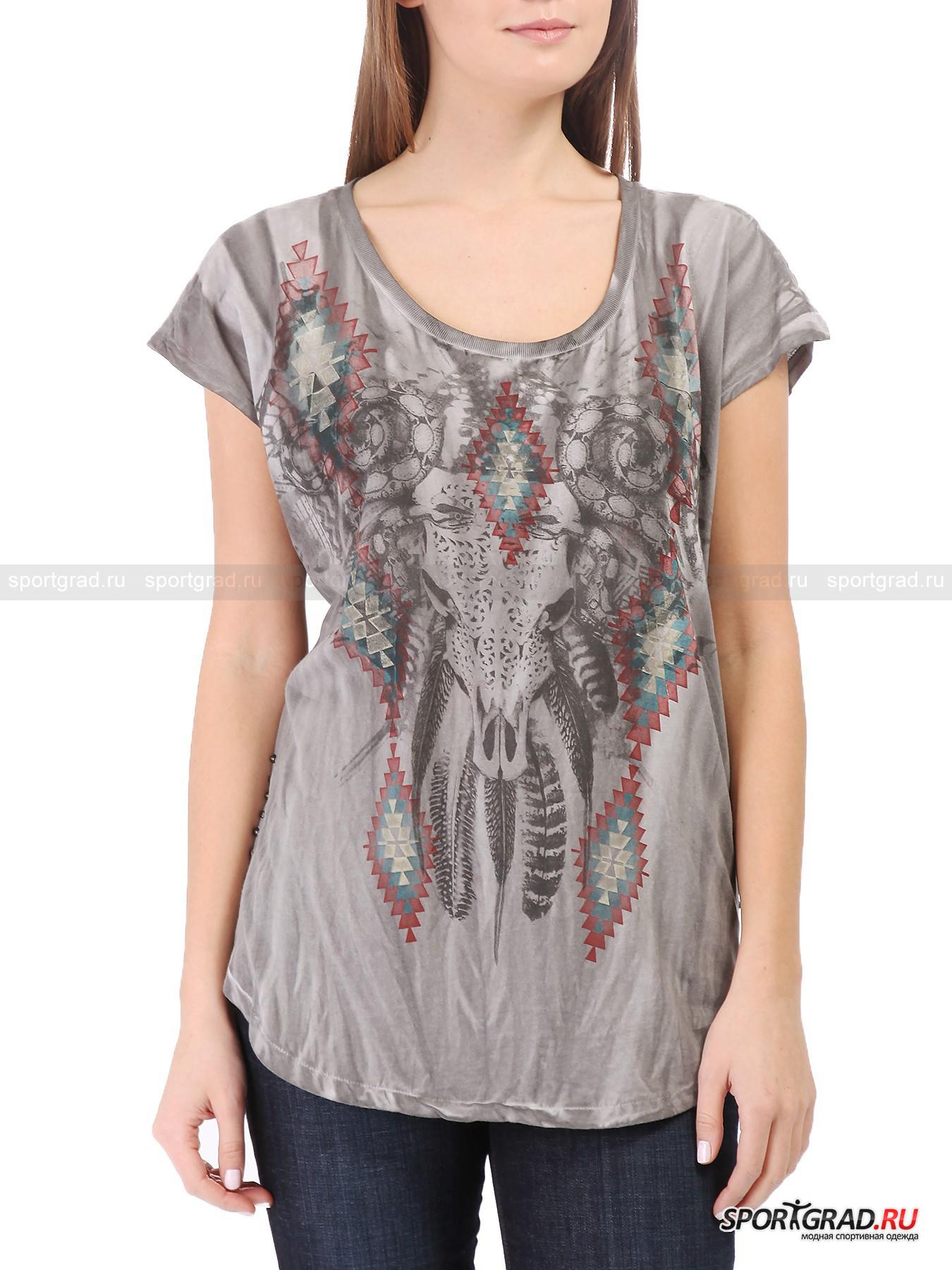 Футболка женская  RUDE RIDERSФутболки<br>В этом сезоне в женской коллекции Rude Riders кроме традиционных черепов и змей присутствуют индейские мотивы, отраженные в принтах и фасонах. И именно таким рисунком украшена эффектная футболка, представленная на этой странице.<br><br>Эта модель широкая  и довольно длинная, она имеет прямой крой и садится свободно. Материал футболки был подвергнут обработке по уникальной технологии «состаривания», благодаря чему приобрел интересный неоднородный цвет и невероятную мягкость. Изделие сшито всего из двух кусков ткани, рукава здесь цельнокроеные. По бокам вещь украшена рядами заклепок.<br><br>Пол: Женский<br>Возраст: Взрослый<br>Тип: Футболки<br>Рекомендации по уходу: стирка в теплой воде до 30 С; не отбеливать; гладить слегка нагретым утюгом (температура до 110 C); разрешена сухая химическая чистка; нельзя выжимать и сушить в стиральной машине<br>Состав: 100% хлопок