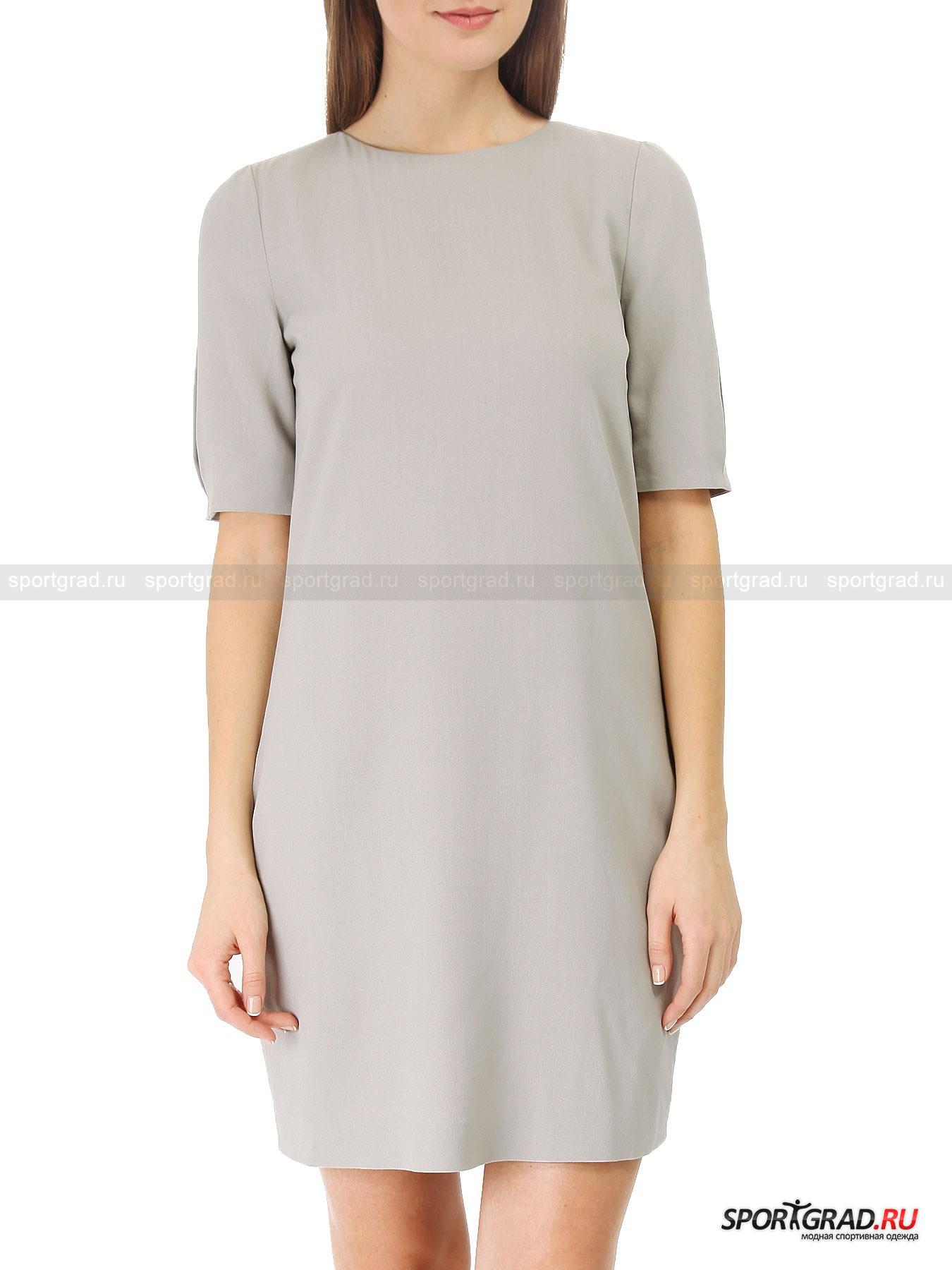 Платье Emporio ArmaniПлатья<br>Фасон платьев «кокон» остается очень популярным уже несколько лет подряд,  и это неудивительно, ведь такой покрой идет абсолютно всем. Он позволяет скрыть возможные недостатки фигуры, акцентируя внимание на ногах. Особенно эффектно такие платья смотрятся в однотонном варианте.<br><br>Великолепная модель благородного светло-серого цвета от Emporio Armani выполнена в духе минимализма, однако привлекает внимание за счет продуманного кроя и отличного материала. Здесь два слоя: прозрачная подкладка-сеточка и тонкая, но плотная верхняя ткань. <br><br>Особенности модели:<br>- драпировки на спине;<br>- два кармана по бокам;<br>- разреза на рукавах.<br><br>Пол: Женский<br>Возраст: Взрослый<br>Тип: Платья<br>Рекомендации по уходу: не стирать; не отбеливать; гладить слегка нагретым утюгом (температура до 110 C); химическая чистка сухим способом; нельзя выжимать и сушить в стиральной машине<br>Состав: 60% вискоза, 40% шерсть; подкладка 100% полиэстер