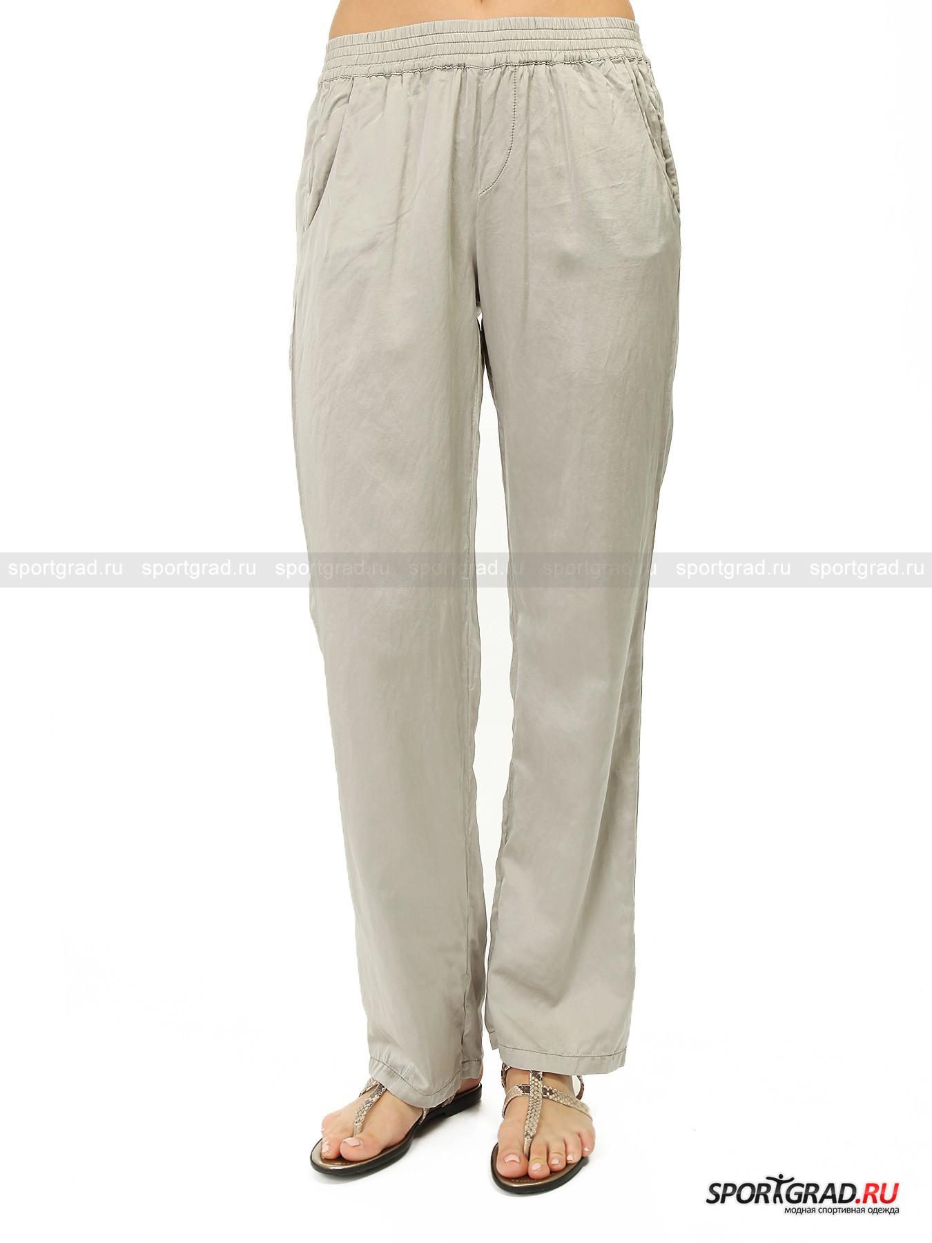 Брюки женские из шелка и хлопка Pants DEHAБрюки<br>Брюки Pants Deha идеальны для лета: легкая тонкая ткань отлично подойдет для жаркой погоды, свободный фасон позволит чувствовать максимальный комфорт. Штаны изготовлены наполовину из шелка, что придает материалу потрясающий внешний вид, гладкость, мягкость и приятный отблеск. <br>Особенности модели:<br>- пояс на резинке;<br>- два карман по бокам;<br>- прямой крой;<br>- фирменная нашивка Deha.<br><br>Пол: Женский<br>Возраст: Взрослый<br>Тип: Брюки<br>Рекомендации по уходу: стирка в теплой воде до 30 С; не отбеливать; гладить слегка нагретым утюгом (температура до 110 C); химическая чистка сухим способом; нельзя выжимать и сушить в стиральной машине<br>Состав: 51% шелк, 49% хлопок
