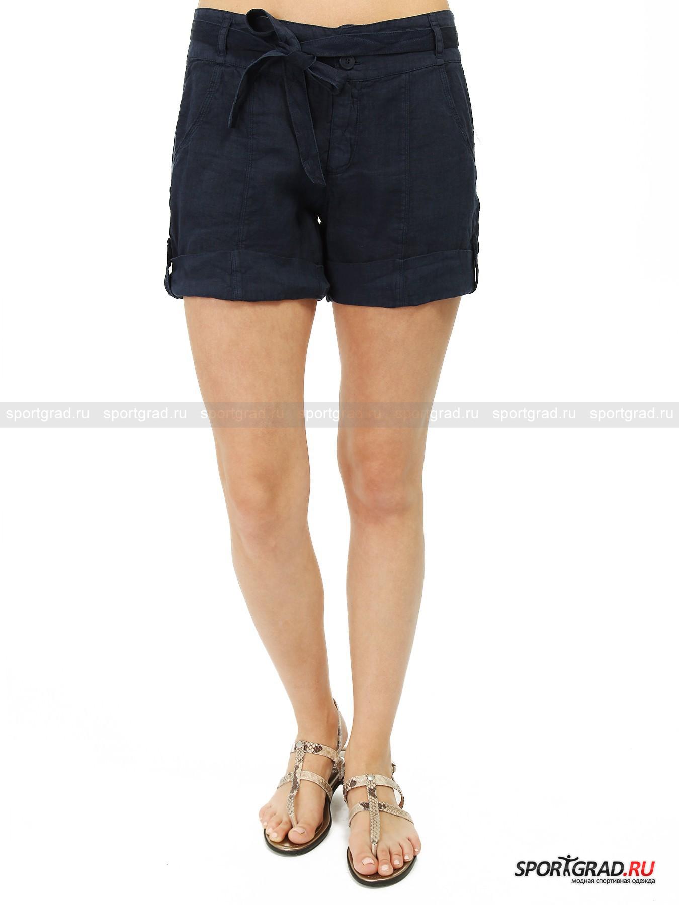 Шорты Shorts DEHAШорты, Велосипедки<br>Симпатичные шорты от Deha пошиты из льняной ткани, что делает их идеальным выбором для жаркой погоды. Лен позволяет коже «дышать» и приятен к телу, тонкий и легкий материал превосходно вписывается в воздушный летний образ.<br><br>Особенности модели:<br>- застежка-молния и две пуговицы;<br>- два кармана по бокам и два сзади;<br>- кокетка на пояснице;<br>- пояс с завязками;<br>- отвороты на пуговицах (можно отогнуть);<br>- вертикальные швы, зрительно стройнящие ноги.<br><br>Пол: Женский<br>Возраст: Взрослый<br>Тип: Шорты, Велосипедки<br>Рекомендации по уходу: стирка в теплой воде до 40 С; не отбеливать; гладить при средней температуре; химическая чистка сухим способом; нельзя выжимать и сушить в стиральной машине<br>Состав: 100% лен