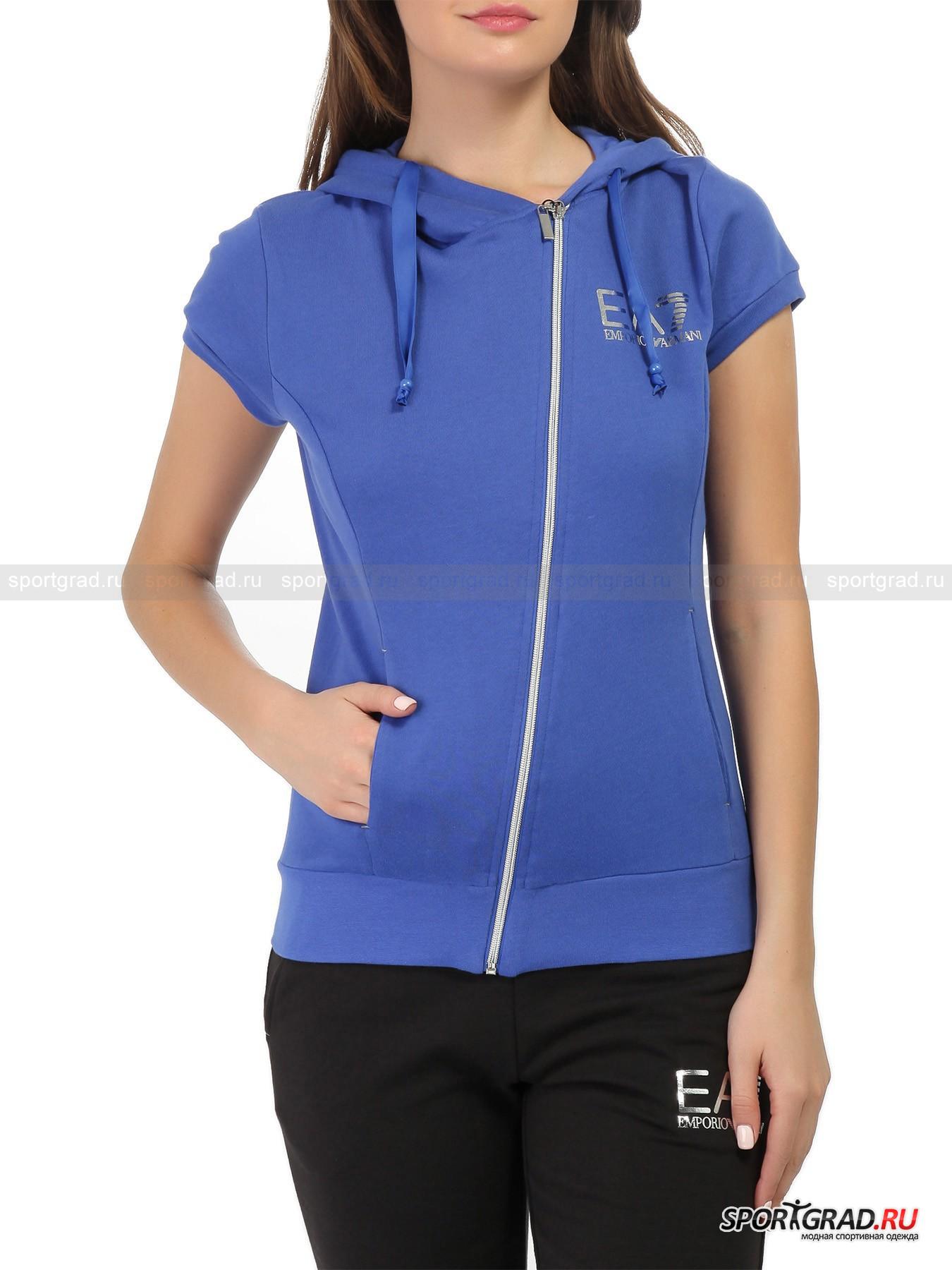 Толстовка женская с коротким рукавом Train Core Sweatshirt EA7 Emporio ArmaniТолстовки<br>Яркая толстовка с коротким рукавом Train Core Sweatshirt EA7 Emporio Armani – небанальная вещь для вашего гардероба. Она позиционируется производителем именно как модель для тренировок, но не выглядит сугубо спортивно и пригодится и в обычной жизни. Модель отлично сидит, благодаря прямому крою скрывая возможные недостатки фигуры. Ткань тонкая, легкая и очень мягкая.<br><br>Особенности модели:<br>- ассиметричная молния;<br>- два прорезных кармана по бокам;<br>- капюшон с лентами-утяжками;<br>- петельчатая изнанка;<br>- фирменный логотип EA7.<br><br>Пол: Женский<br>Возраст: Взрослый<br>Тип: Толстовки<br>Рекомендации по уходу: стирка в теплой воде до 30 С; не отбеливать; гладить слегка нагретым утюгом (температура до 110 C); химчистка запрещена; нельзя выжимать и сушить в стиральной машине<br>Состав: 60% хлопок, 40% полиэстер