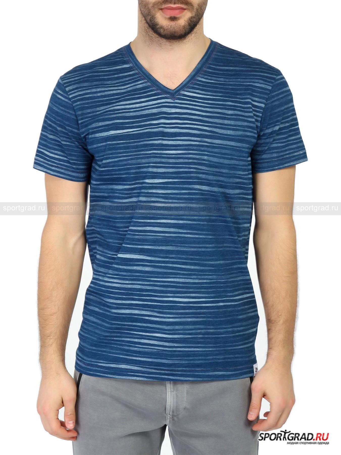 Футболка мужская  Vince FIRE&amp;ICEФутболки<br>Полоски – неизменный хит каждого теплого сезона, однако в этом году этот тренд претерпел изменения. Сейчас форма полосок должна быть необычной, изломанной, как на представленной на этой странице мужской футболке Vince Fire+Ice.<br><br>Футболка пошита из натуральной хлопковой ткани высочайшего качества, материал мягкий, плотный и приятный на ощупь. Он был подвергнут специальной обработке, придающий слегка потертый, винтажный вид. <br><br>Особенности модели:<br>- V-образный вырез;<br>- свободная посадка;<br>- фирменная нашивка.<br><br>Пол: Мужской<br>Возраст: Взрослый<br>Тип: Футболки<br>Рекомендации по уходу: деликатная стирка до 30 С; не отбеливать; гладить при температуре до 110 С; химическая чистка сухим способом; нельзя сушить в стиральной машине<br>Состав: 100% хлопок