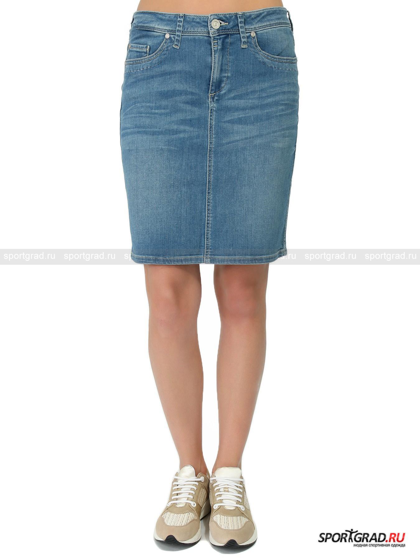 Юбка женская Denim Skirt BOGNER JEANSЮбки<br>Коллекции Bogner Jeans – это сочетание стильной лаконичности, удобства и великолепного качества. Идеальная одежда на каждый день. <br>Марка в основном выпускает базовые вещи, уместные в любой ситуации. Один из таких предметов – джинсовая юбка Denim Skirt, представленная на этой странице. Прямой крой, классический цвет, мягкий материал и удобная посадка для максимального комфорта.<br><br>Особенности модели:<br>- застежка-молния и пуговица;<br>- петли для ремня;<br>- пять карманов;<br>- кокетка на пояснице;<br>- фирменная нашивка;<br>- разрез сзади.<br><br>Пол: Женский<br>Возраст: Взрослый<br>Тип: Юбки<br>Рекомендации по уходу: стирка при температуре до 30 С; не отбеливать; гладить слегка нагретым утюгом (температура до 110 C); химчистка запрещена; нельзя сушить в стиральной машине<br>Состав: 98% хлопок, 2% эластан