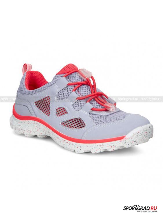 Кроссовки детские Biom Trail ECCOКроссовки<br>Обувь серии Biom Ecco – это настоящее наслаждение для ног. Фантастическая легкость, гибкость, анатомически правильная форма и превосходная амортизация позволяют ходить пешком хоть целый день, не испытывая усталости.<br><br>Кроссовки для детей Biom Trail, представленные на этой странице, в полной мере соответствуют приведенному выше описанию. Изготовленные из вентилируемых синтетических материалов, они отлично пропускают воздух и пригодны не только для прогулок, но  и для занятий спортом. <br><br>Особенности модели:<br>- система быстрой шнуровки Speed Lace;<br>- литая рифленая подошва;<br>- протектор на носке.<br><br>Возраст: Детский<br>Тип: Кроссовки<br>Рекомендации по уходу: Протирать мягкой тканью.<br>Состав: Материал верха: текстиль, синтетическая кожа; подкладка, стелька: текстиль.