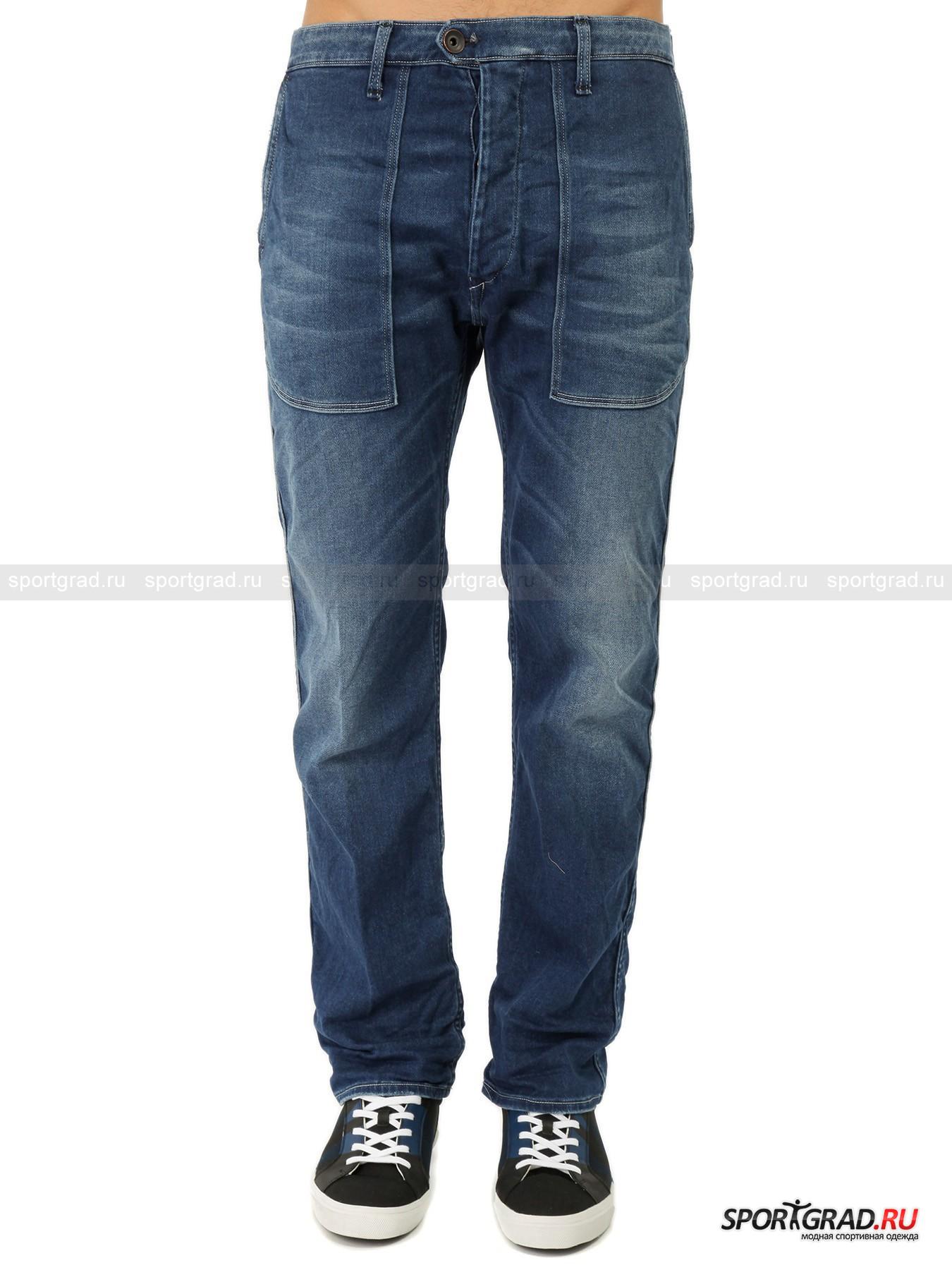 Джинсы мужские WRIGHT`SБрюки<br>Довольно широкие прямые джинсы Wright's 2k Standart – классика в современном исполнении. Штаны изготовлены из очень мягкого премиального денима, так что ходить в них одно удовольствие.<br>Особенности модели:<br>- ширинка на пуговицах и еще две пуговицы на поясе;<br>- четыре кармана;<br>- петли для ремня;<br>- кокетка на пояснице;<br>- на поясе белая полоса с фирменным логотипом, будто бы нанесенная краской из баллончика.<br><br>Пол: Мужской<br>Возраст: Взрослый<br>Тип: Брюки<br>Рекомендации по уходу: стирка при температуре до 30 С; не отбеливать; гладить при температуре до 110 С; сухая химическая чистка; нельзя сушить в стиральной машине<br>Состав: 99% хлопок, 1% полиуретан