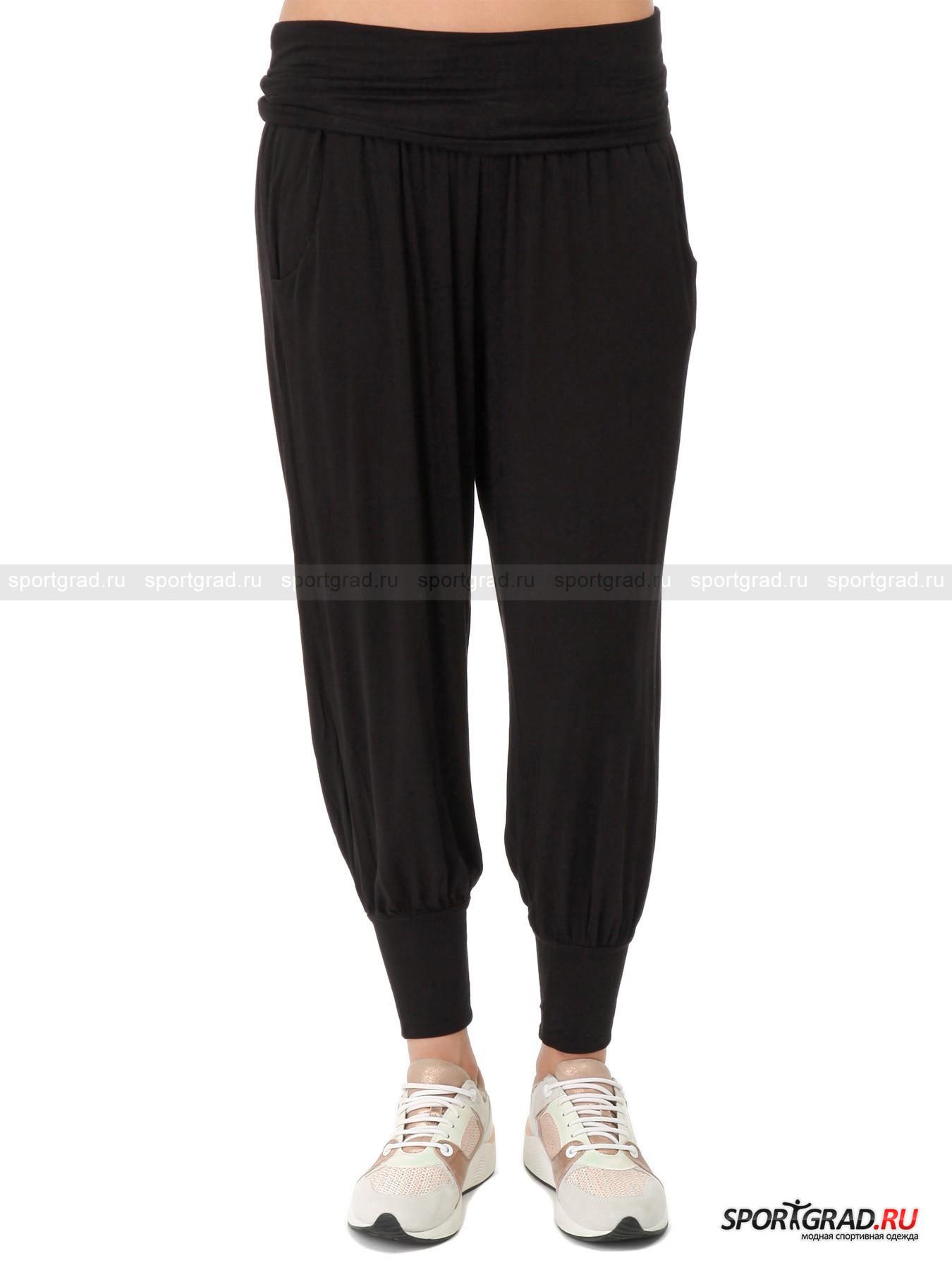 Брюки женские для йоги DEHAБрюки<br>Прекрасные брюки Deha, представленные на этой странице, идеальны для йоги, пилатеса и других видов физической активности низкой интенсивности. Они принадлежат к коллекции Harmonic, которая полностью пошита из экологически чистых материалов. В данном случае это ткань Lenzing Viscose: мягкая, нежная, струящаяся, невероятно приятная к телу. Кроме того, Lenzing Viscose превосходно тянется во все стороны, обеспечивает хорошую воздухопроницаемость и испарение излишков влаги.<br>Брюки имеют два кармана, пояс на резинке с небольшой «юбочкой» поверх него и манжеты внизу штанин, фиксирующие их на щиколотках.<br><br>Пол: Женский<br>Возраст: Взрослый<br>Тип: Брюки<br>Рекомендации по уходу: стирка в теплой воде до 40 С; не отбеливать; гладить слегка нагретым утюгом (температура до 110 C); химическая чистка сухим способом; нельзя выжимать и сушить в стиральной машине<br>Состав: 96% вискоза, 4% эластан